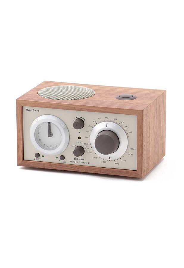 チボリオーディオ / Model Three BT ClassicWalnut/Beige(アナログクロック付Bluetoothワイヤレス技術搭載 ベッドサイド・ラジオスピーカー) 1